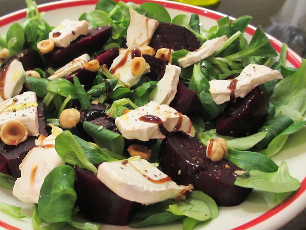 Salade van geroosterde bietjes met geitenkaas