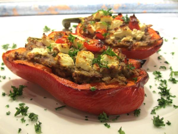 Gevulde paprika met auberginecrème, rijst en feta