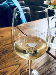 Wijnhoeve De Kleine Schorre glas