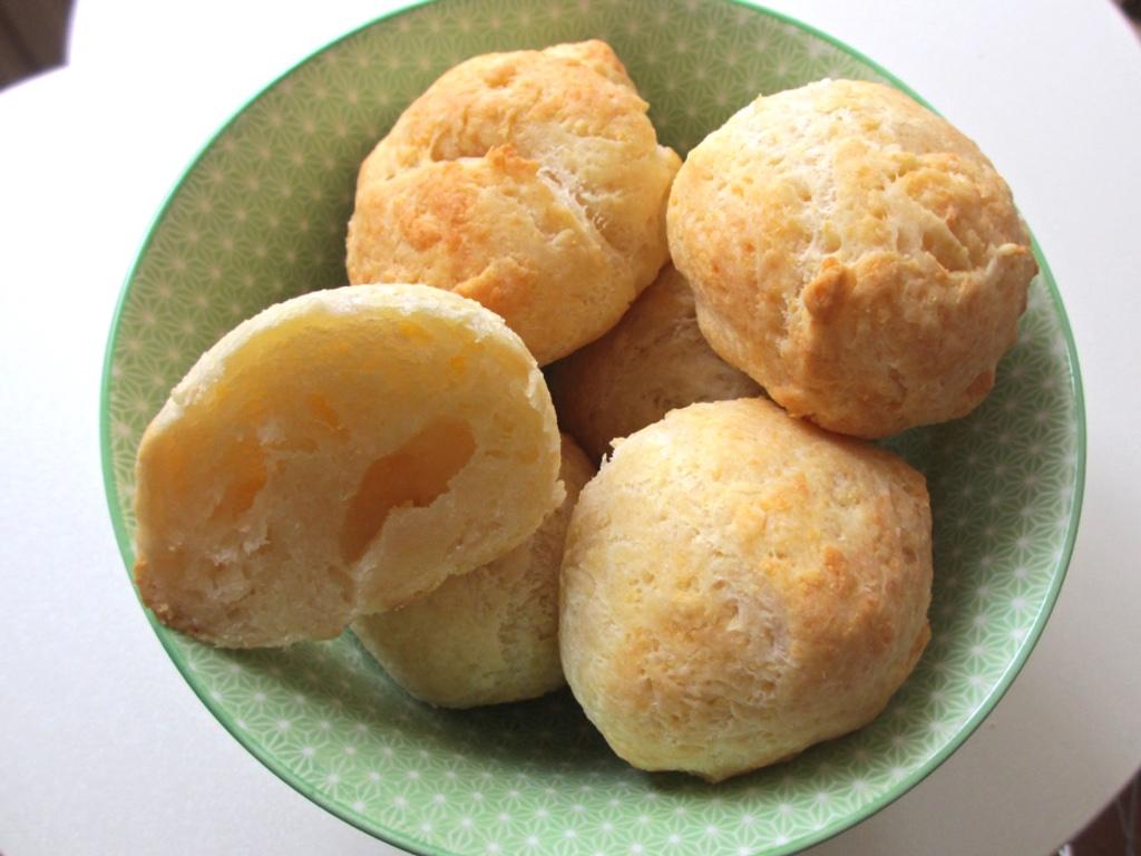Pao de queijo of Braziliaanse kaasbolletjes