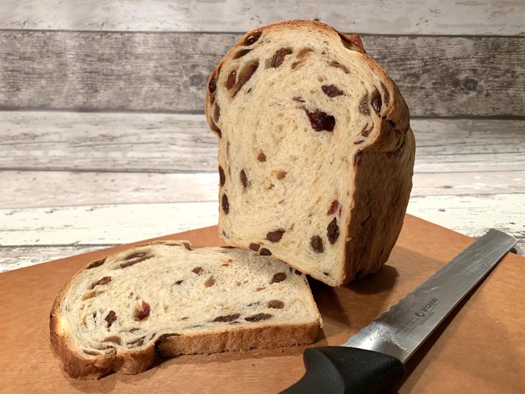 Rozijnen-krentenbrood