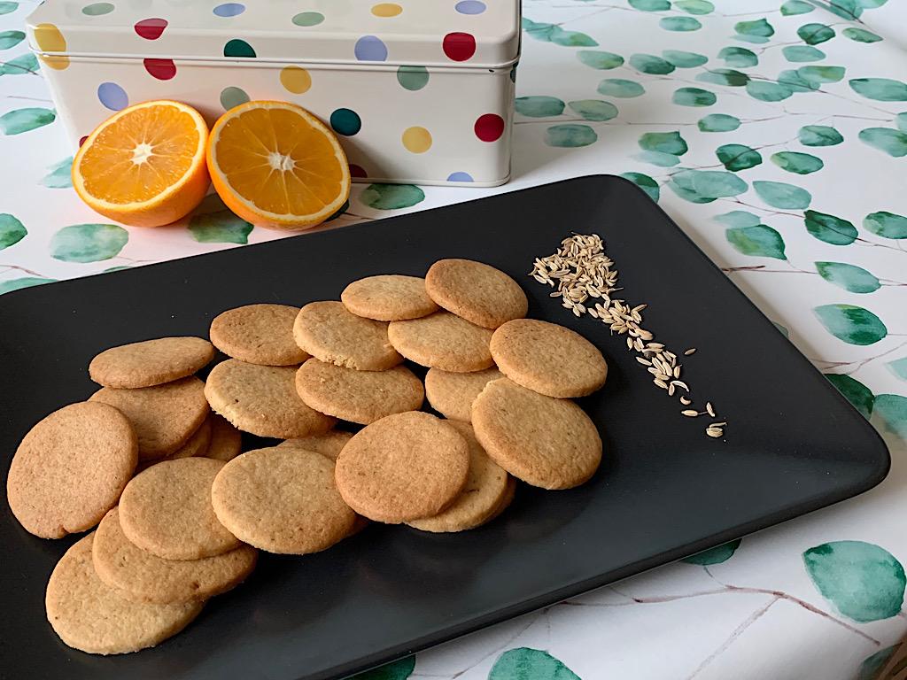 Koekjes met venkelzaad en sinaasappel