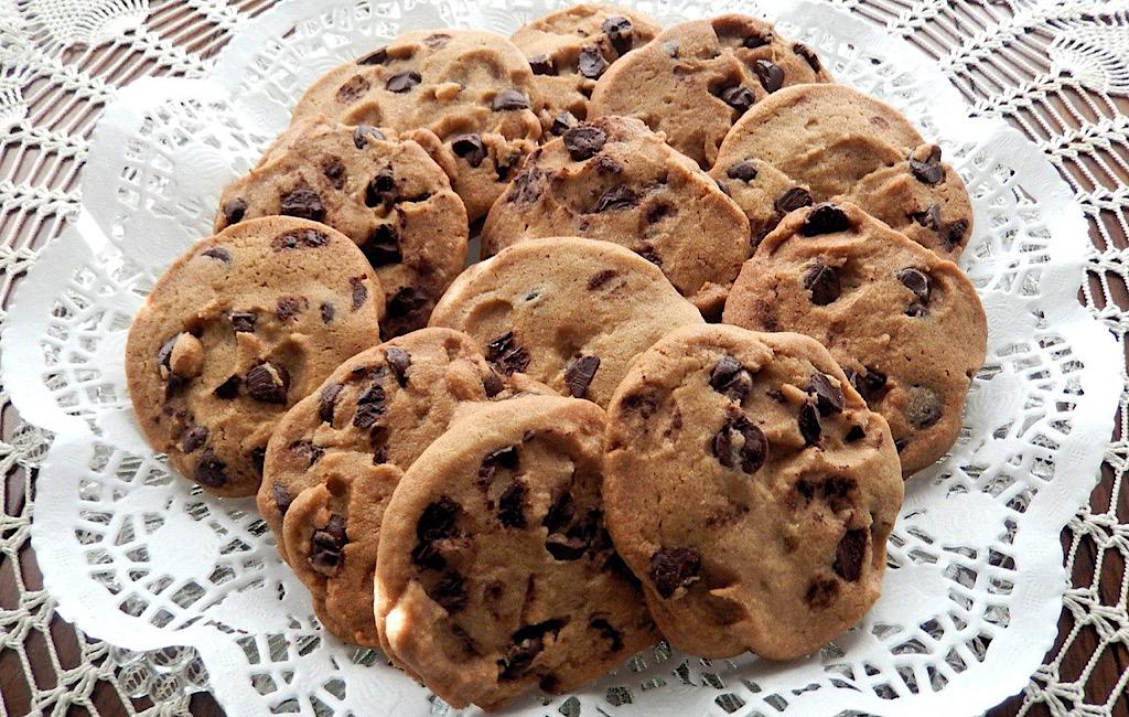 American cookies van boekweitmeel met chocolade en pecannoten