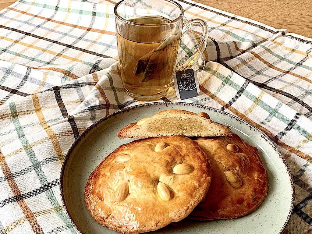 Gevulde koeken met zelfgemaakt amandelspijs