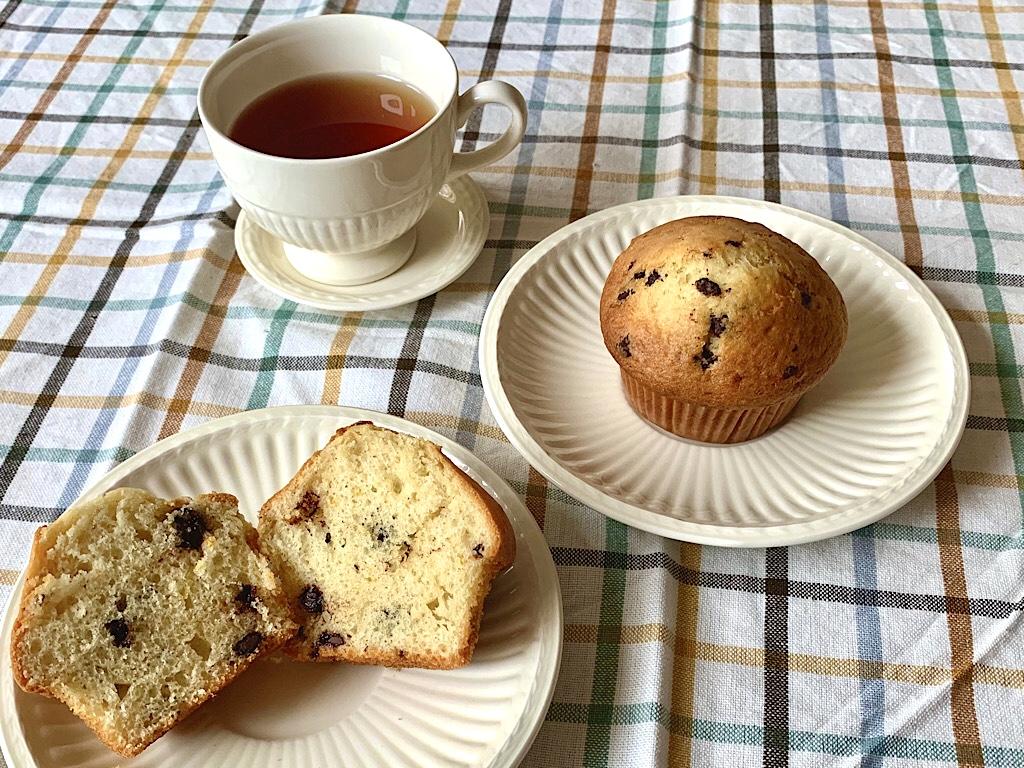 Snelle muffins met sinaasappel en donkere chocolade